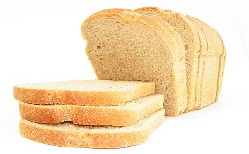 ломтик белого хлеба