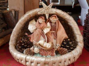 Рождественские сувениры на ярмарке в Будапеште