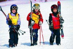 детские лыжи,выбор,горы.зима