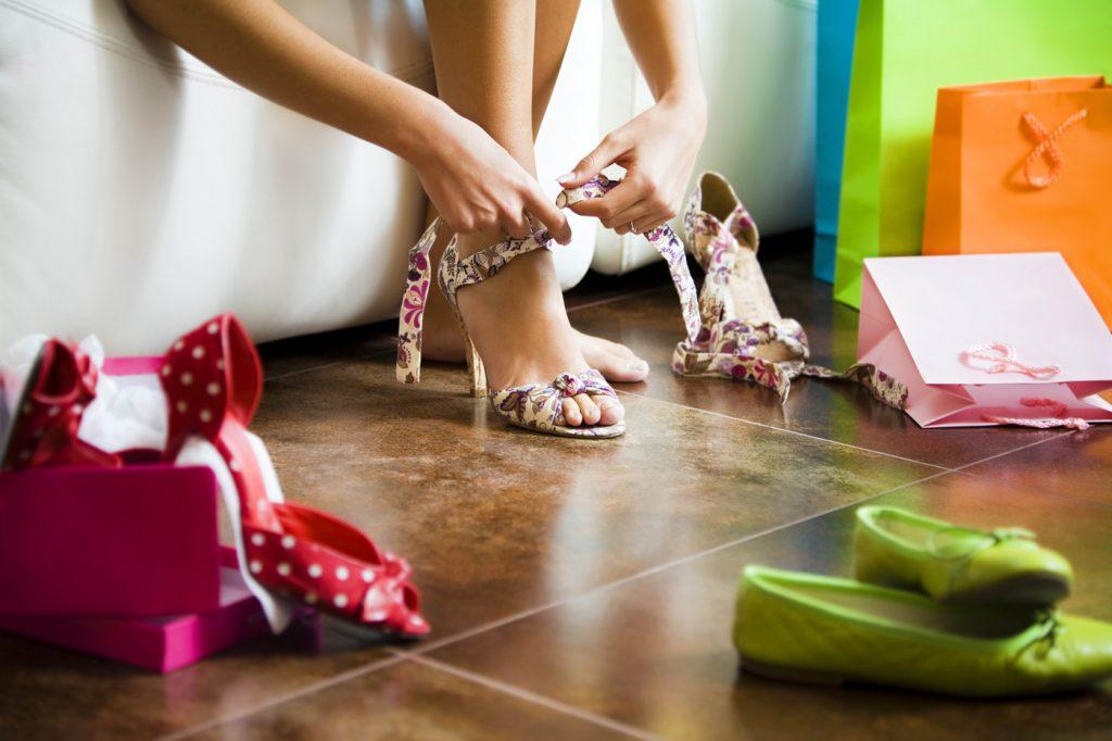 разные женские туфли