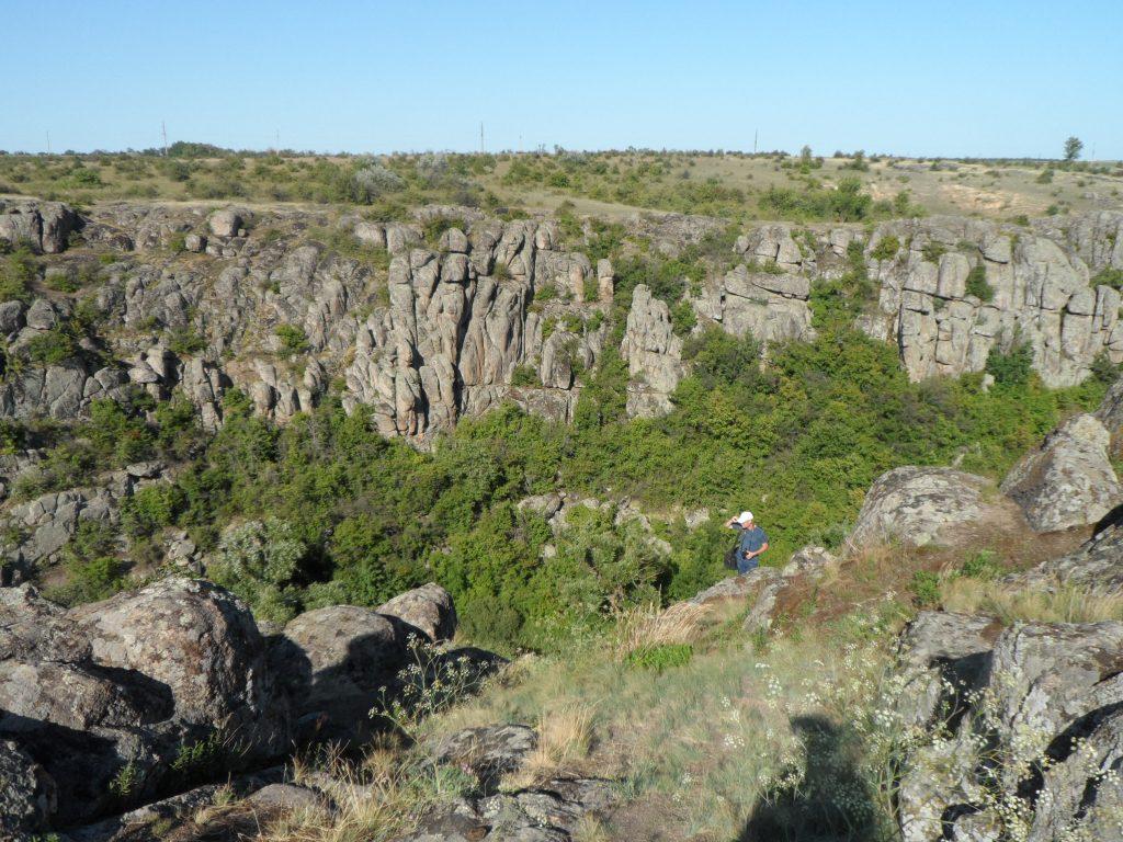 Актовский каньон называют Долиной Дьявола
