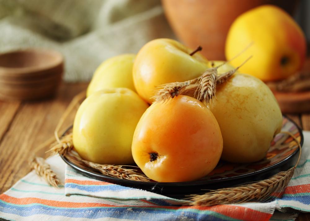 Квашеные яблоки в тыкве