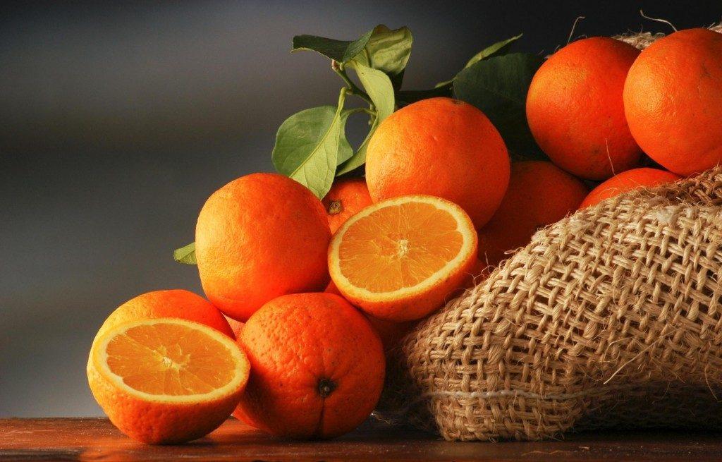 плоды апельсинов