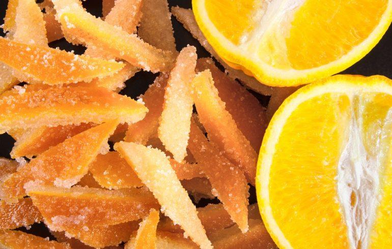 апельсины и цукаты из апельсиновых корок
