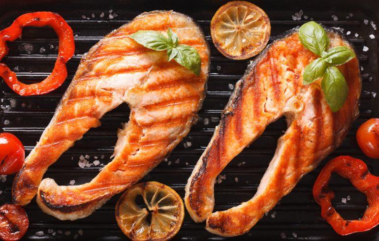 Рыбка гриль с перцем