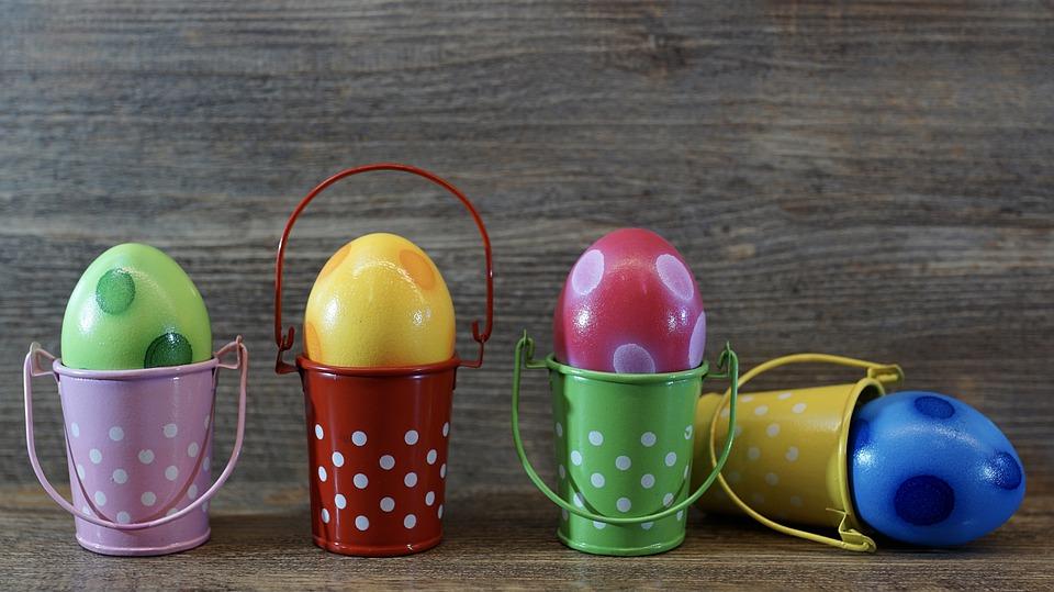 как правильно покрасить яйца