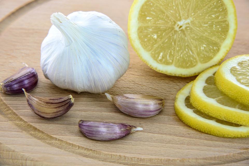 Чеснок и лимон от укусов насекомых