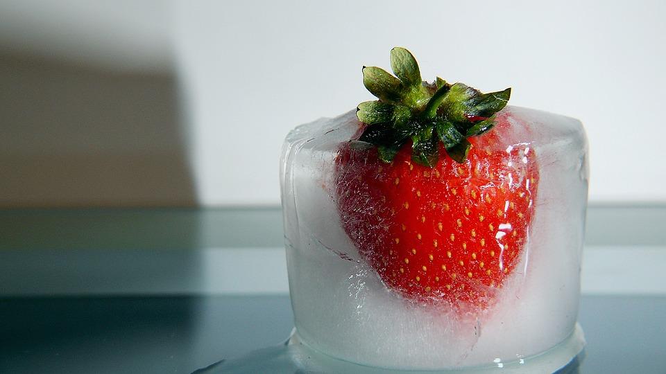 Как правильно заморозить клубнику