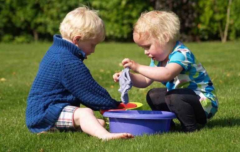 как вывести пятна от травы на детской одежде