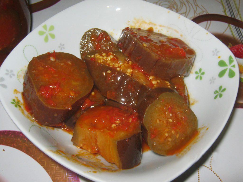 Как приготовить баклажаны в томате