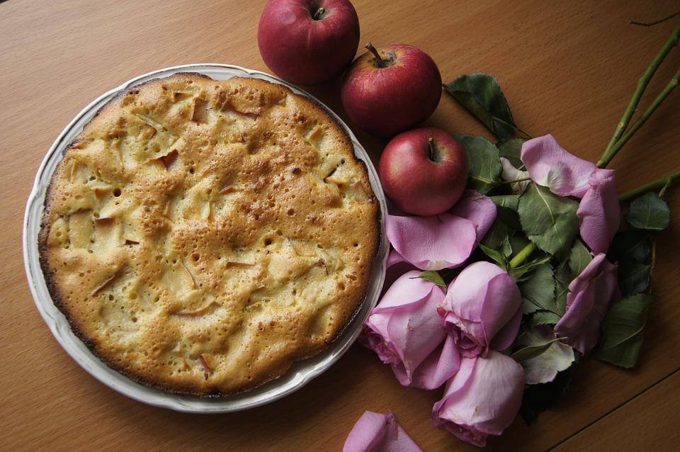 яблоки и яблочный пирог
