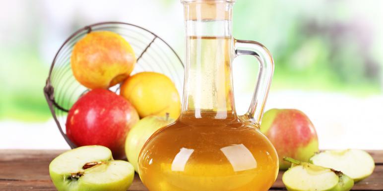 яблочный уксус избавит от запаха пота