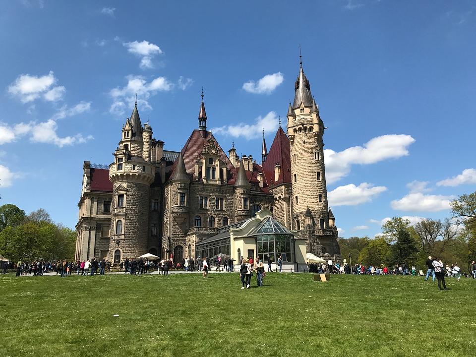 Мошинский замок в Опольском воеводстве