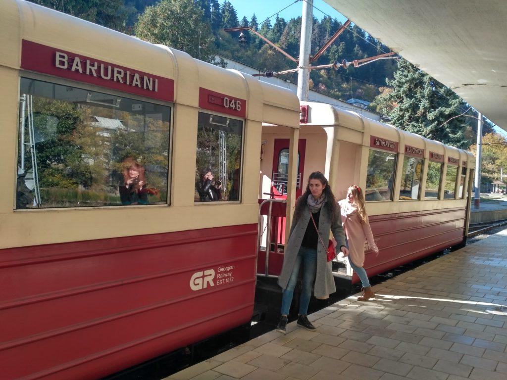 Из Боржоми в Бакуриани ходит поезд кукушка