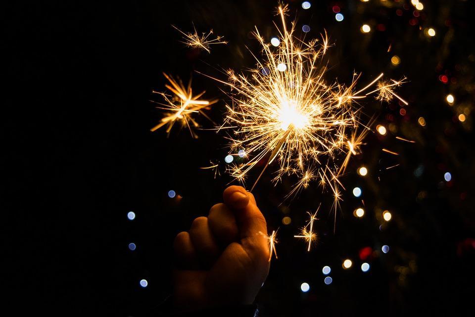 новогодний бенгальский огонь
