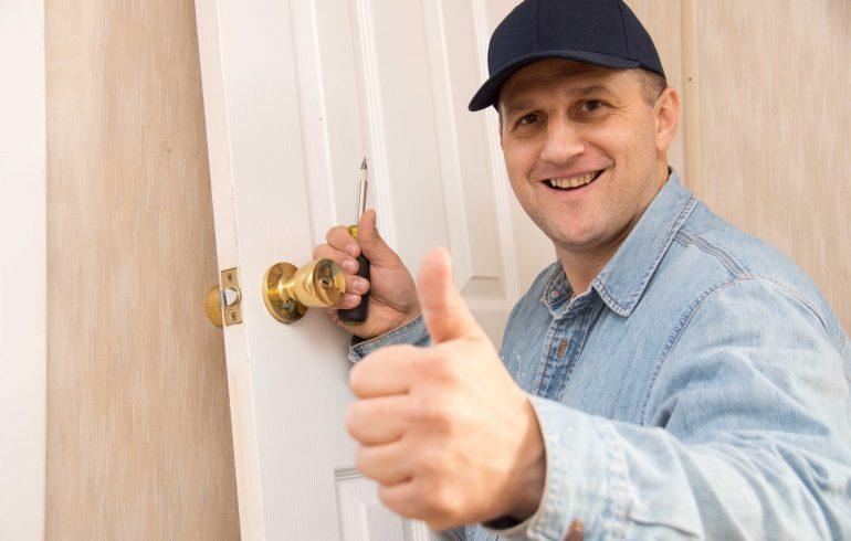 двери,ремонт,хозяин