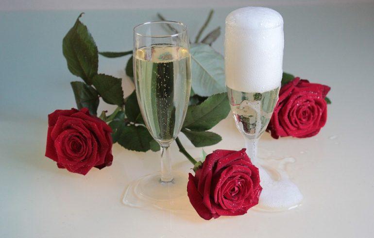 шампанское, розы вино