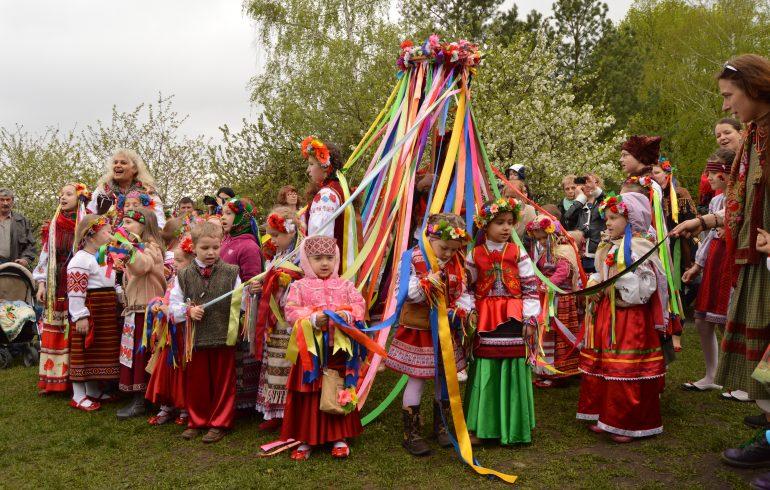народные гуляния в Пирогово