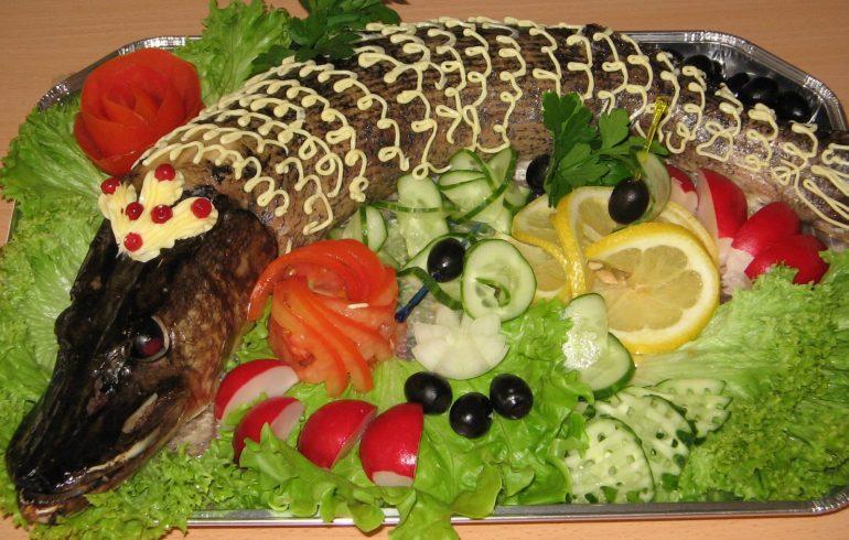 блюдо фаршированная щука