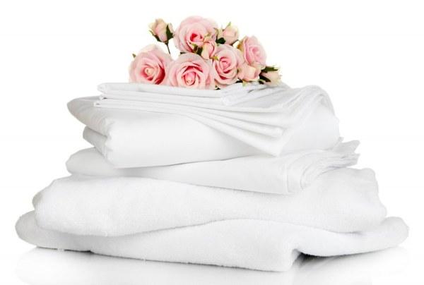 стопка постельного белья