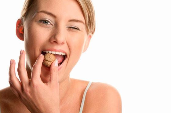женщина есть грецкий орех
