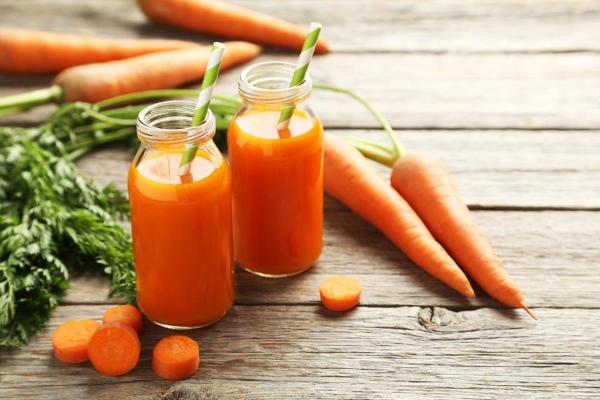 морковный сок и морковь