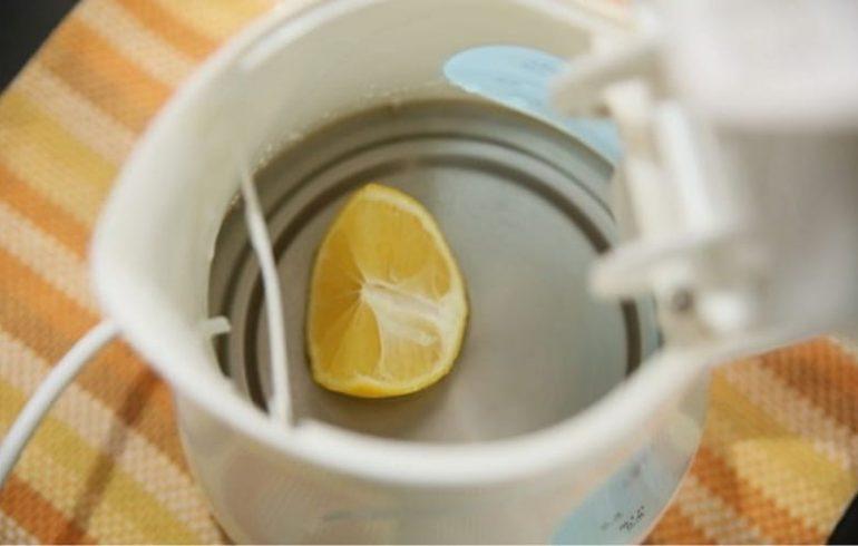 лимон в чайнике