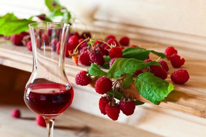 малиновое вино рецепт