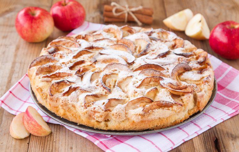 Как приготовить яблочный пирог дома