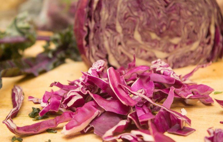 салат, рецепт, краснокочанная капуста, огурцы, перец