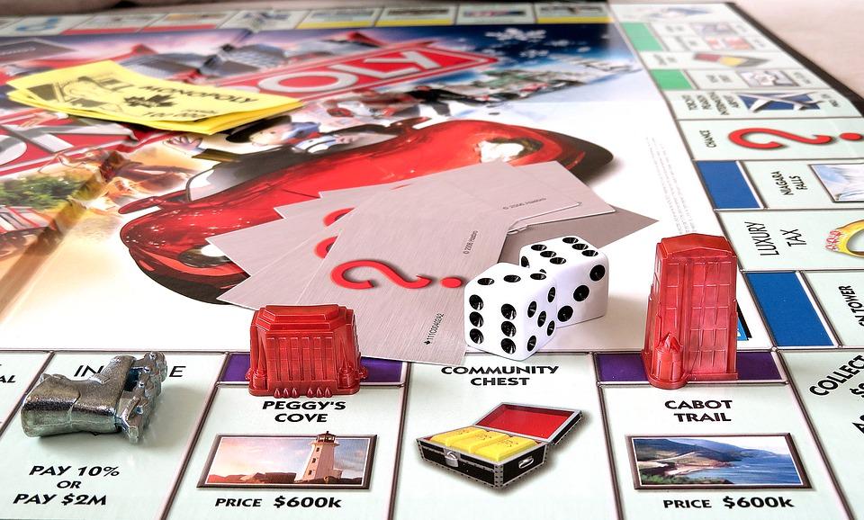 игра монополия для домашнего досуга