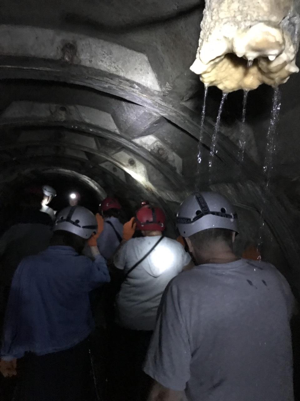 туристический маршрут по подземному тоннелю в Черновцах