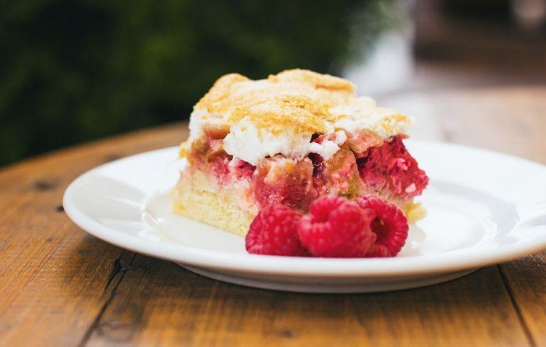 Желейно-ягодный бисквит