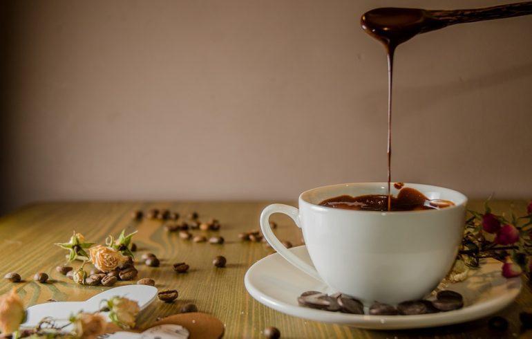 Холодный и горячий домашний шоколад