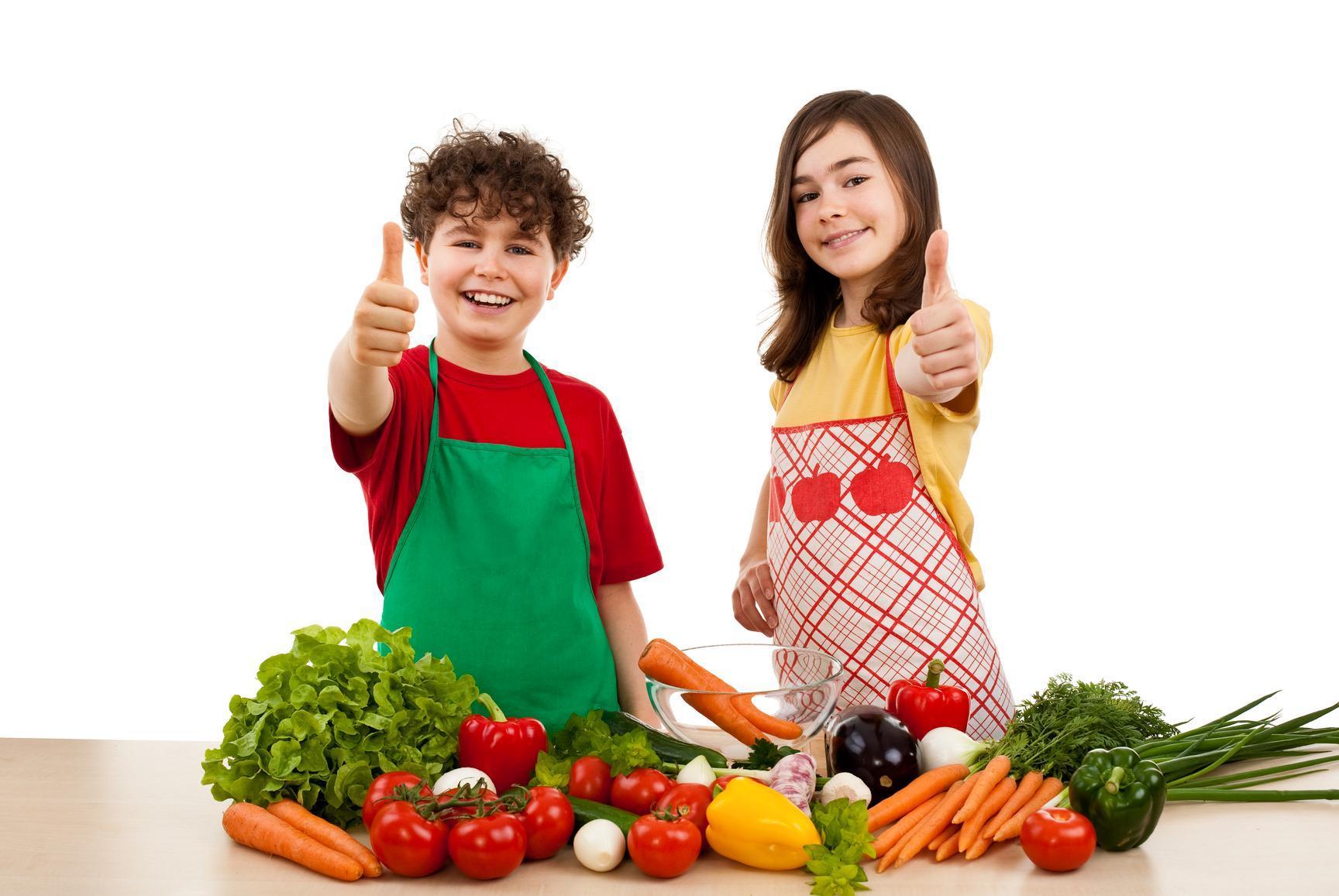мальчик и девочка юные кулинары
