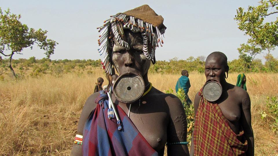 женщины из эфиопских племен