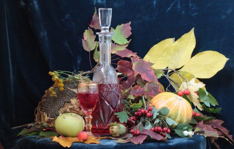 7 напитков, которые согреют вас этой осенью и уберегут от простуды