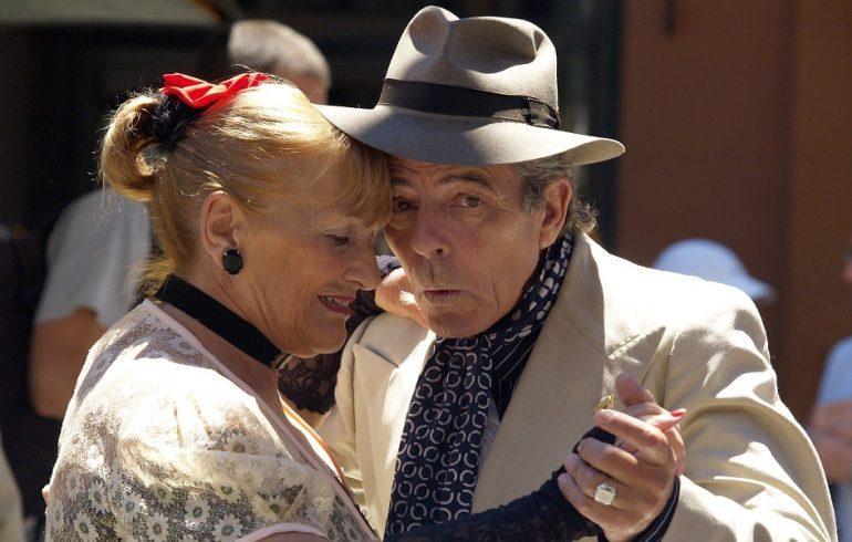 старение не повод для уныния, а повод для танцев