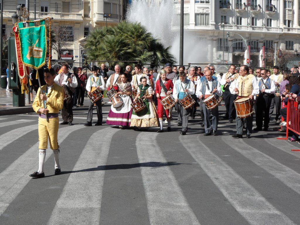 народный праздник на улицах Валенсии