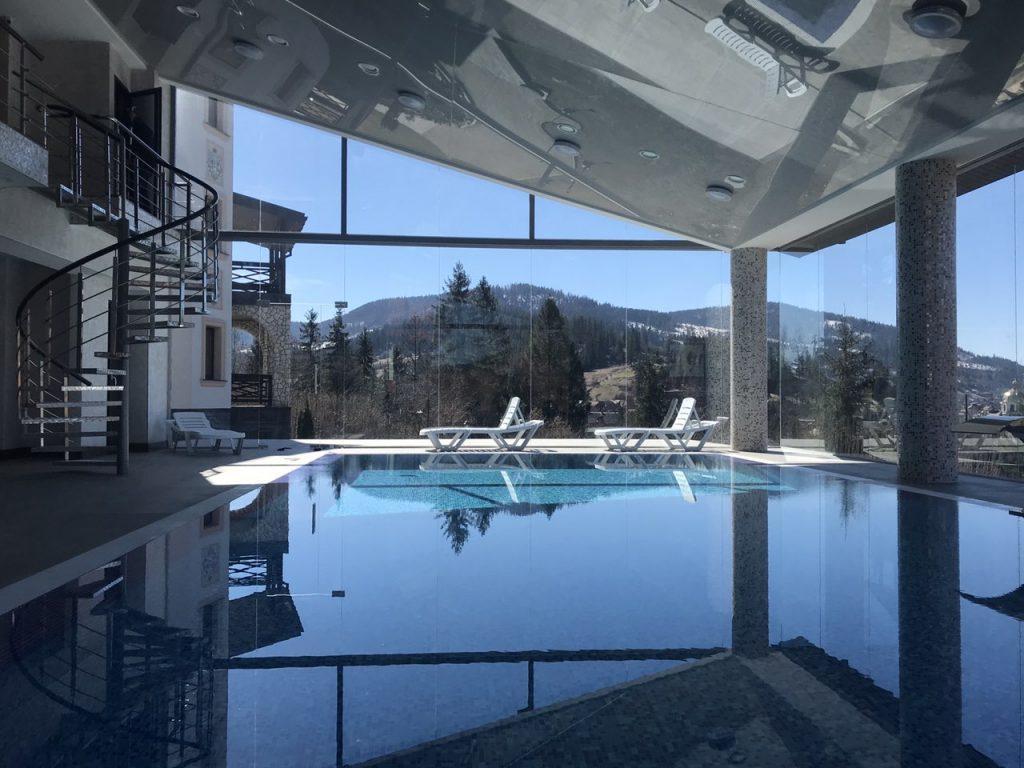 басейн и спа в отеле Двор Княжеской Короны
