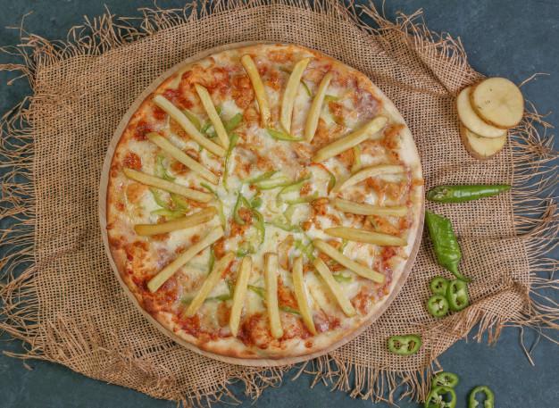 Пицца с жареной картошкой оригинальный рецепт