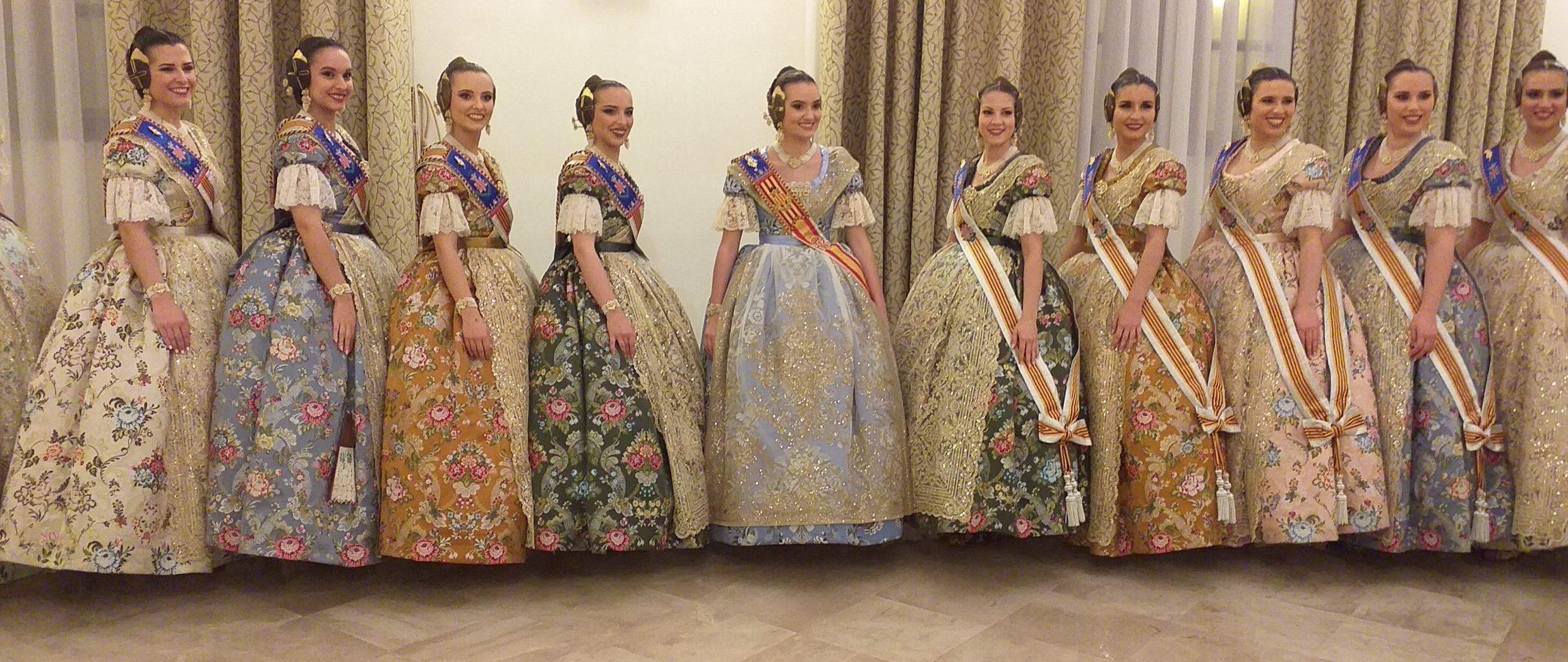 Девушки, претендующие на звание Королева Фальяс