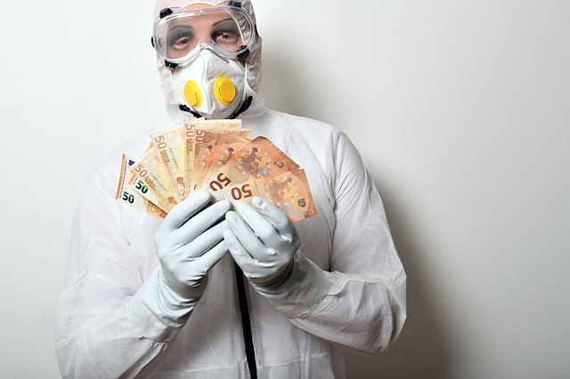 Грязные деньги: какая зараза живет на купюрах