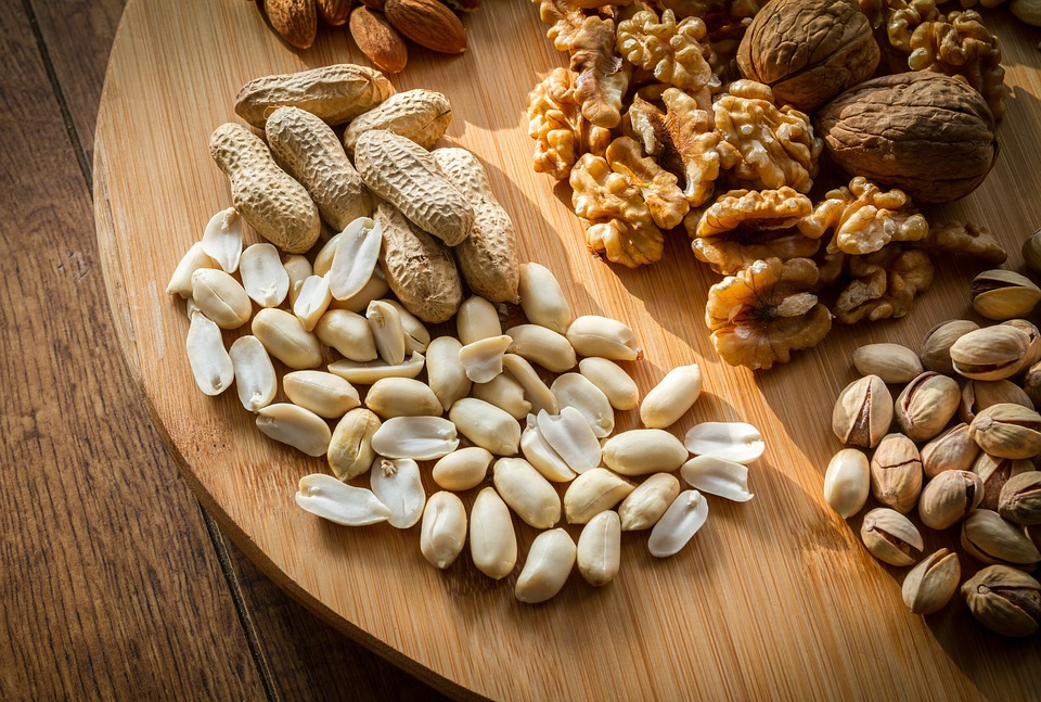 Какие орехи самые полезные и сколько их съедать?