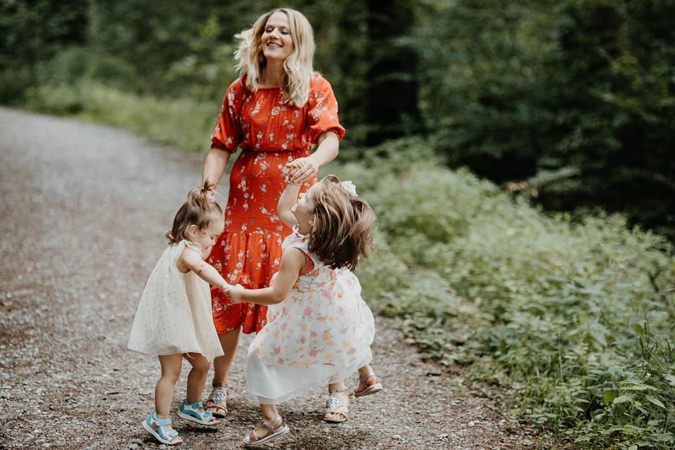 Как отмечают День матери в разных уголках планеты