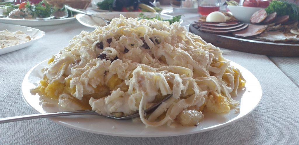 блюдо мамалыга