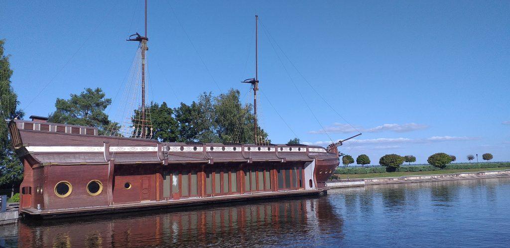 корабль ресторан Януковича