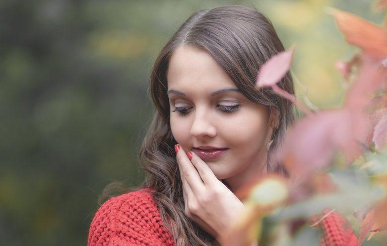 Уход за губами осенью: защищаем, увлажняем, питаем