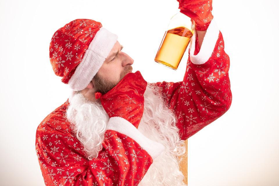 санта и алкоголь в зимние праздники