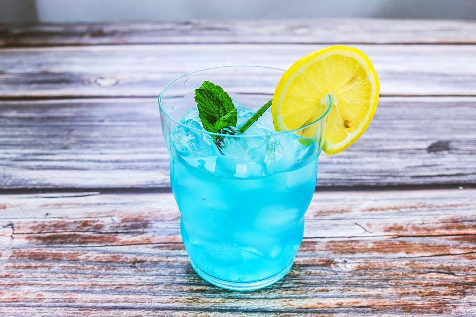 голубые коктейли